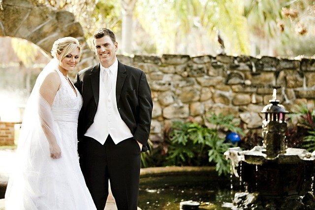 svatba, ženich, nevěsta, fontánka