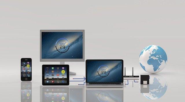 obrazovky a globus