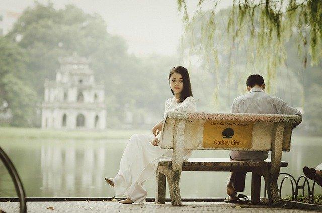 Zjistila jste, že vás manžel podvádí?